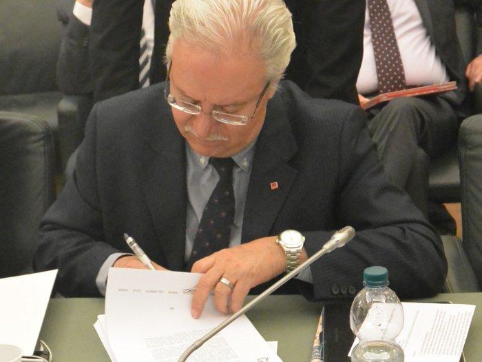Firmato l'articolato del CCNL ABI, ora confronto su pressioni commerciali