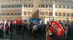Equitalia: presidio a Montecitorio