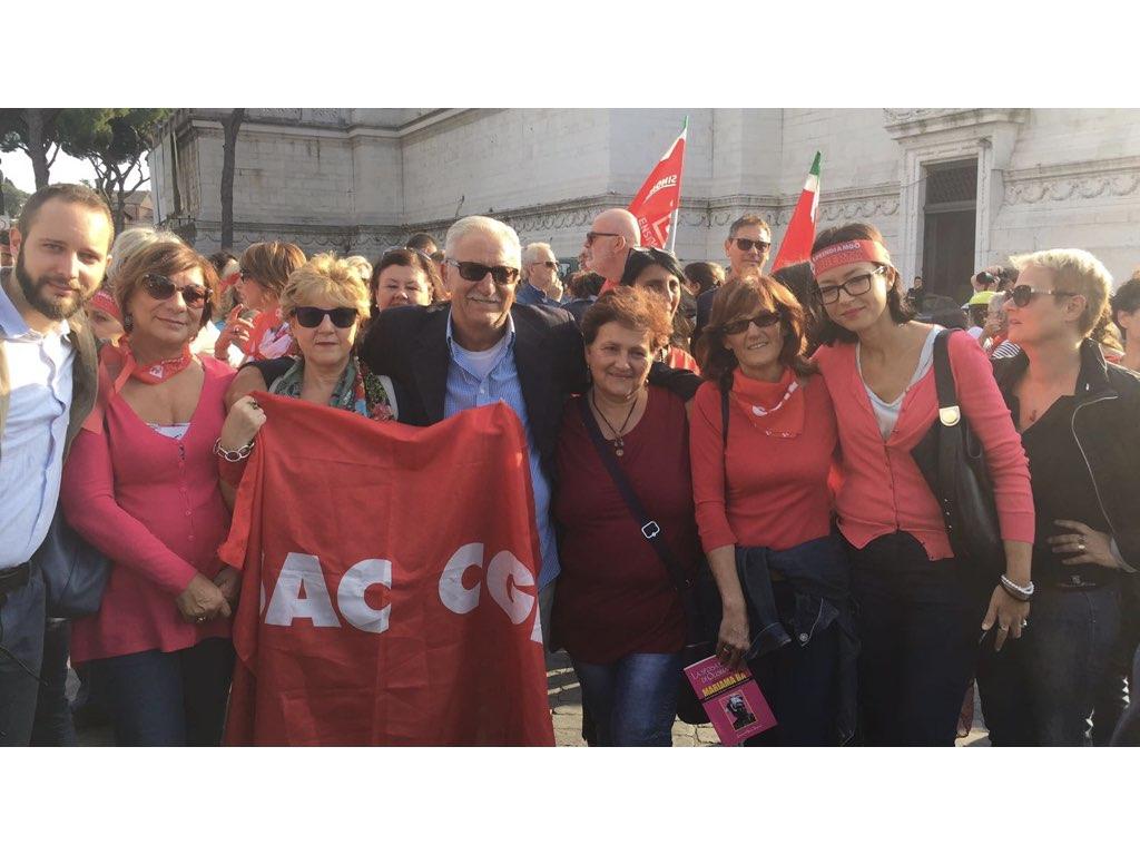 Manifestazioni Donne 30.001