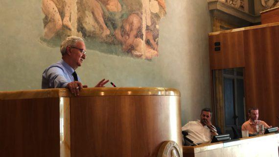 Toscana: Frammenti, fidelizazione, aziendalismo,  social,  whatsapp e narcisismo