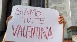 Presidio al Tribunale di Milano: Siamo tutte Valentina!
