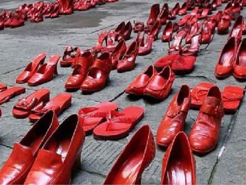 molestie donne genere scarpe rosse